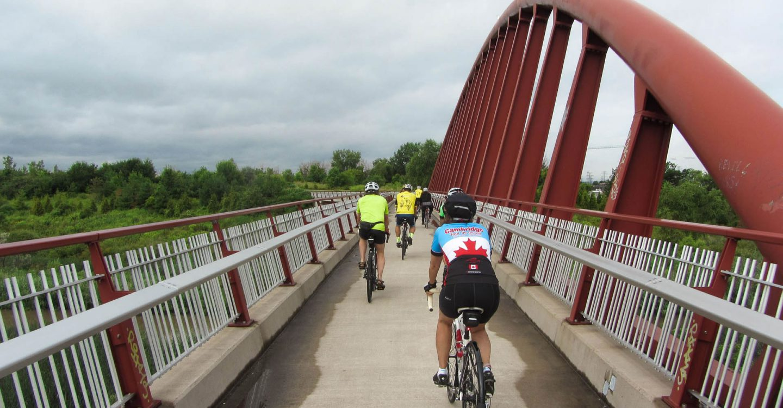 Hamilton Harbour-riders on bridge