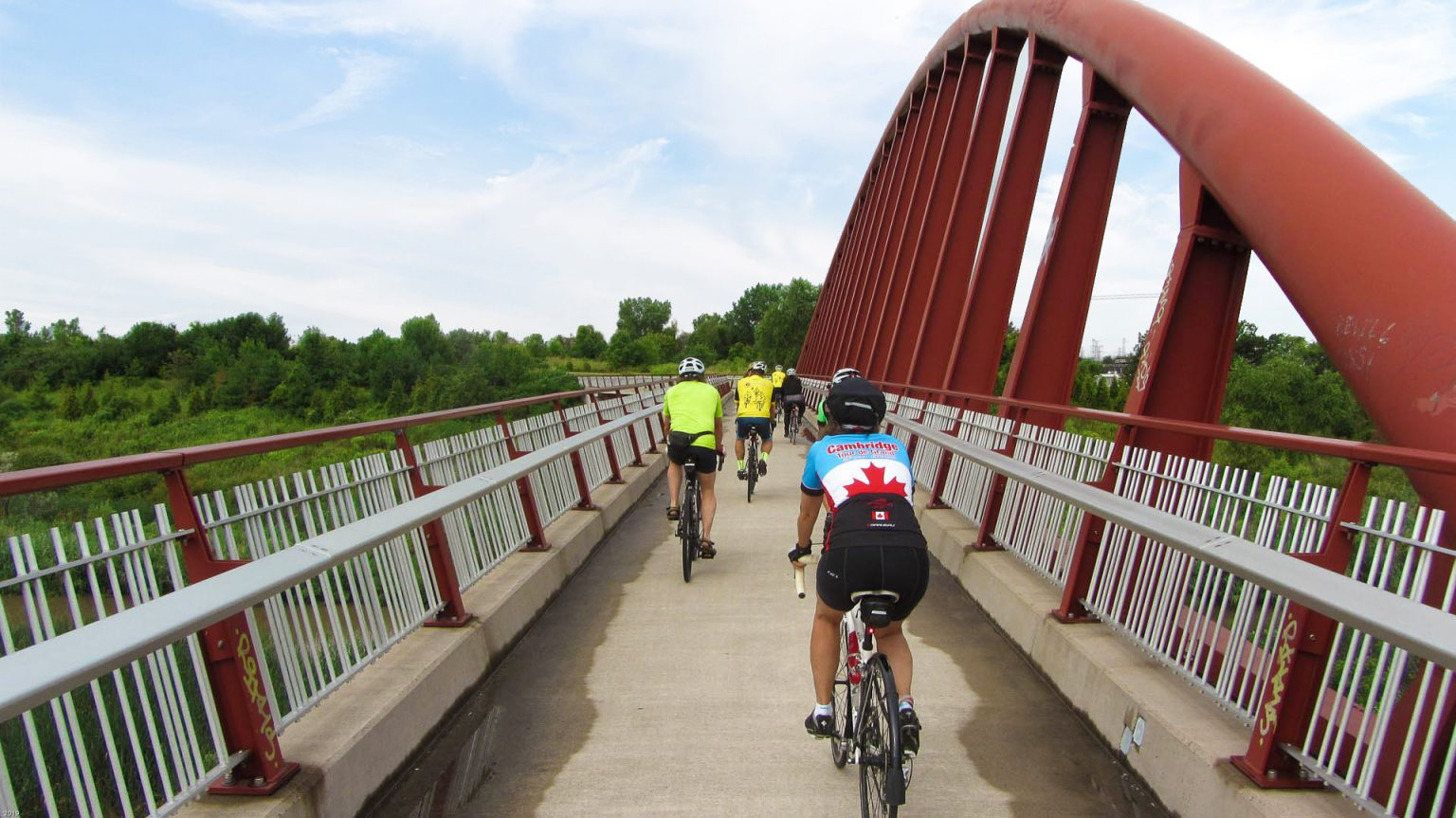 Hamilton-Harbour-riders-on-bridge